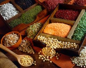cac loai dau 300x237 6 loại thực phẩm cần tránh khi bị viêm đại tràng