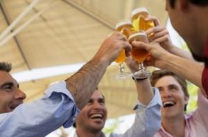 nhau nhet 1366708880 500x0 300x198 Giải pháp cho người bị rối loạn tiêu hóa do rượu bia