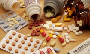 929 medicine 300x181 Không dùng thuốc muối khi vị viêm đại tràng