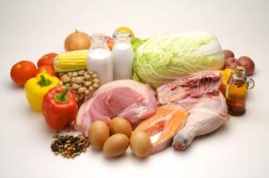 Thuc an giau dam 300x199 Thực phẩm giàu đạm tốt cho bệnh viêm loét đại tràng