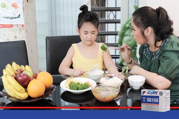 tre bieng an trang vi khang Có nên dùng men tiêu hóa khi trẻ chán ăn không?